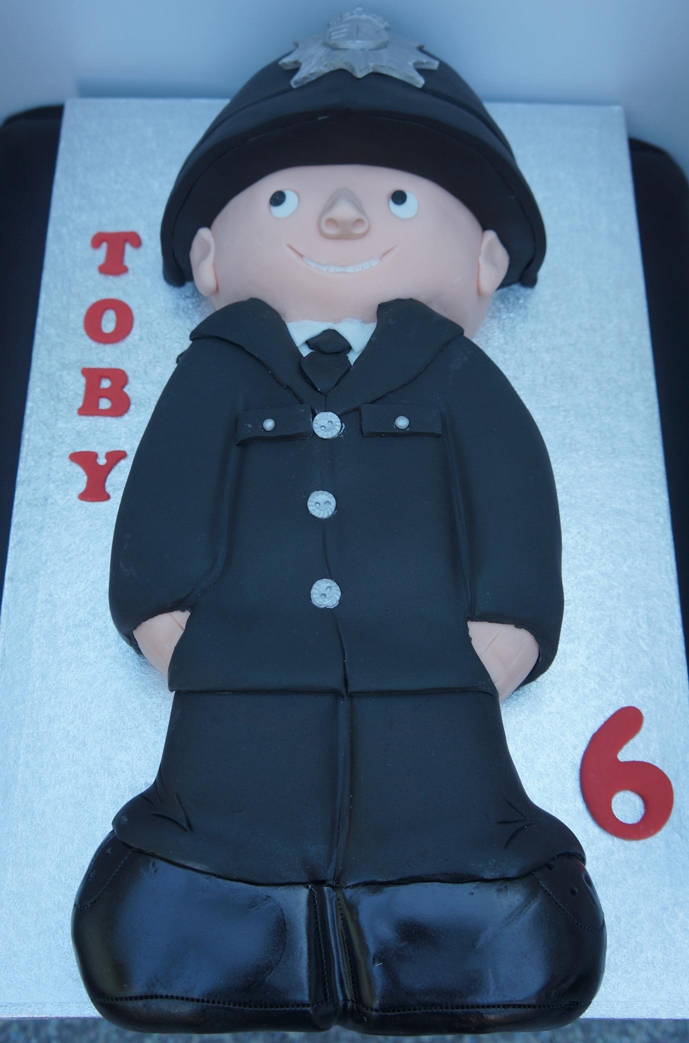 Policeman Birthday Cake 2014 02 28 083713